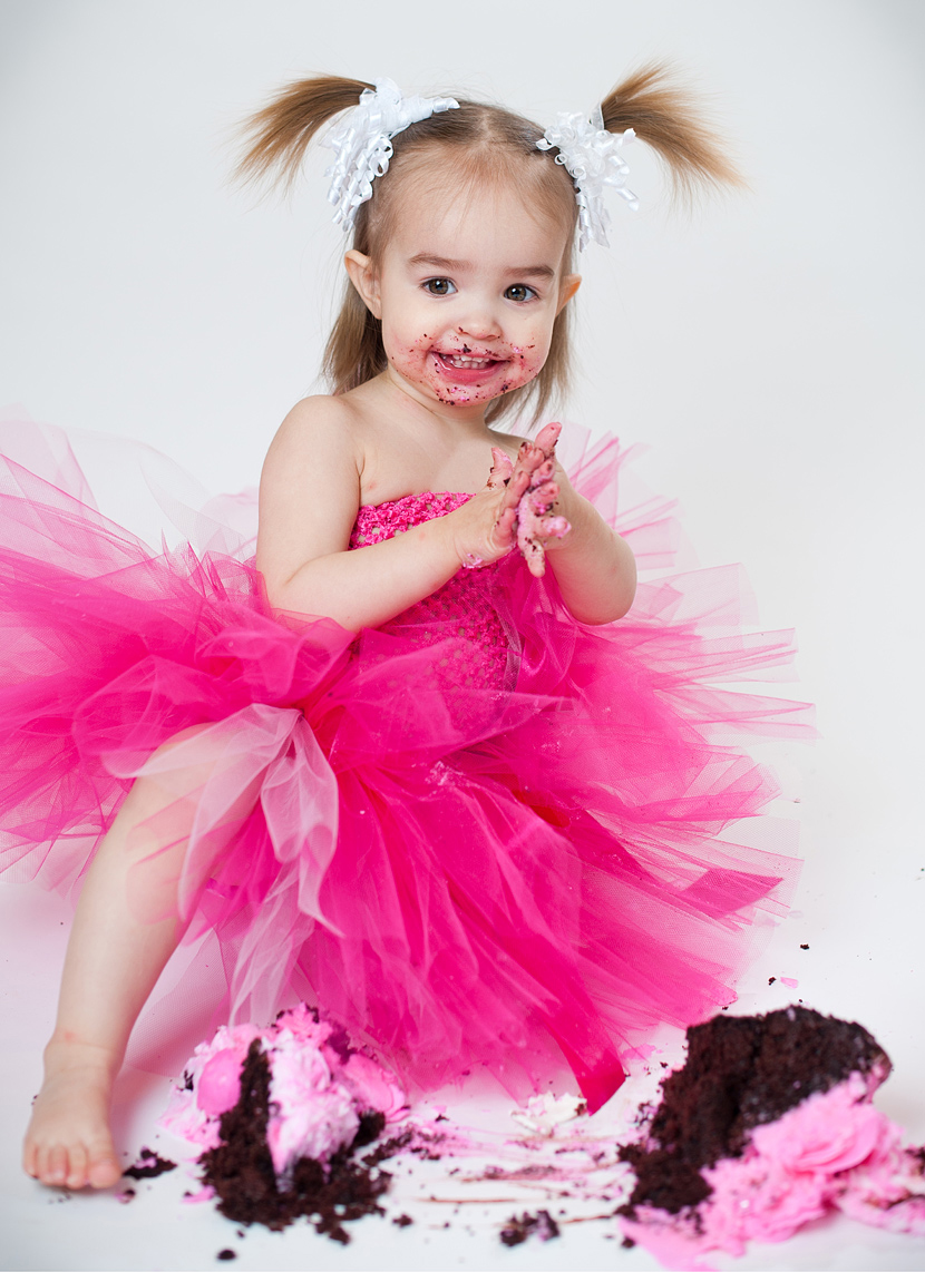Tender Shoots Photography cake smash!